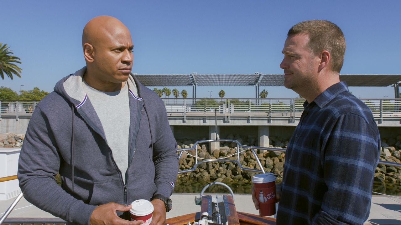Special Agent Sam Hanna (LL Cool J, l.); Special Agent G. Callen (Chris O'Donnell, r.) - Bildquelle: 2020 CBS Broadcasting, Inc. All Rights Reserved.