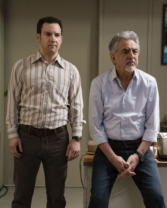 Jason Gideon (jung) (Ben Savage, l.); David Rossi (Joe Mantegna, r.) - Bildquelle: Cliff Lipson ABC Studios / Cliff Lipson