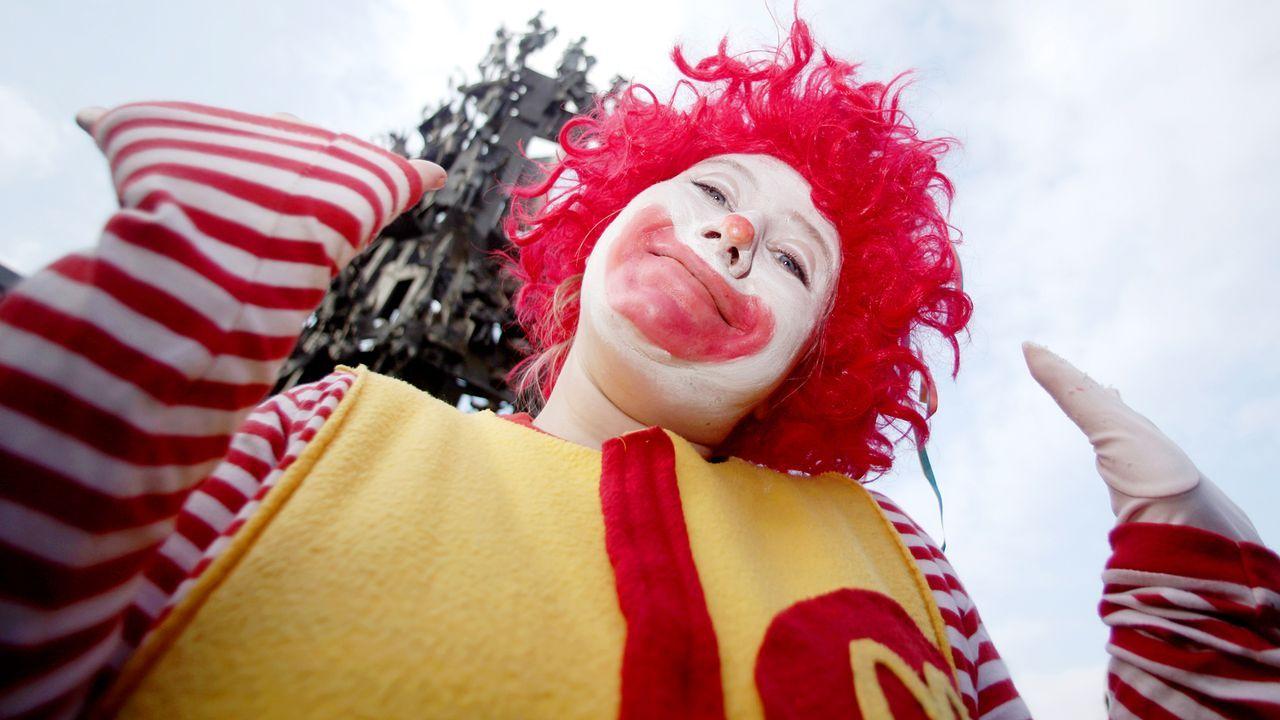 karneval-fasching-clown-11-11-11-dpa