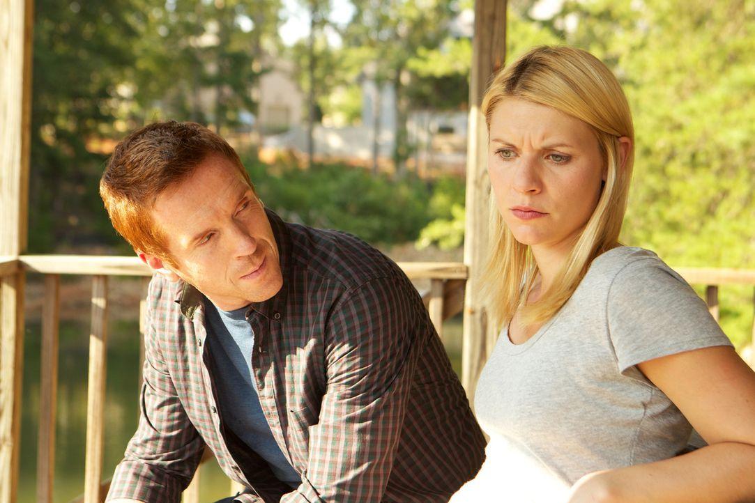 Carries (Claire Danes, r.) Gefühle für Brody (Damian Lewis, l.) lassen die Grenze zwischen Arbeits- und Privatleben verschwimmen ... - Bildquelle: 20th Century Fox International Television