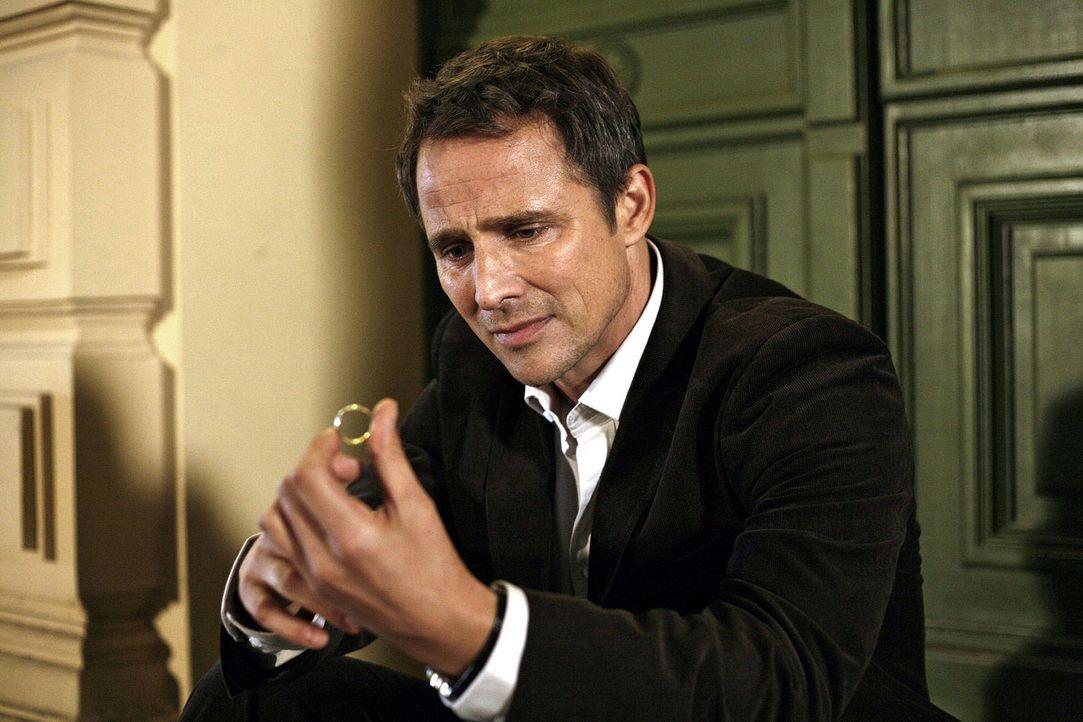 Stephan (Andreas Brucker) ist verzweifelt. Ist seine Ehe nur noch ein Scherbenhaufen? - Bildquelle: Mosch Sat.1