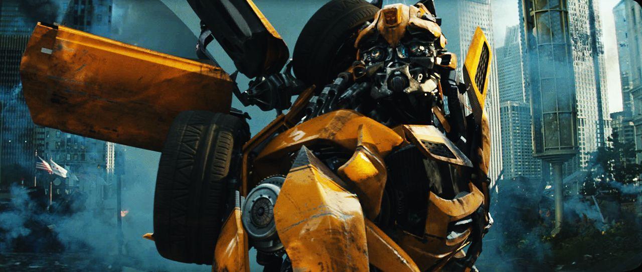 Beinahe zu spät erkennt der treue Bumblebee (Bild), dass dem ehemaligen Anführer der Autobots, Sentinel Prime, nicht besonders viel am Schicksal d... - Bildquelle: 2010 Paramount Pictures Corporation.  All Rights Reserved.