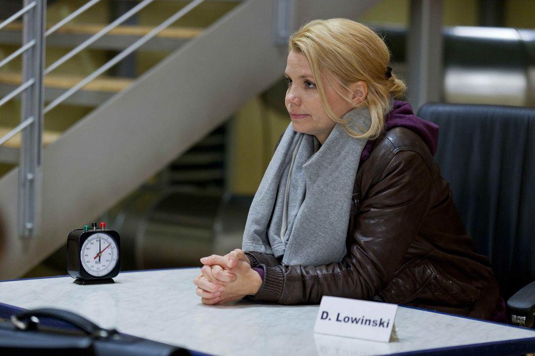 Während Danni (Annette Frier) von Sven und Oliver einen Korb bekommt, da sie sich zwischen den beiden nicht entscheiden konnte, wartet ein neuer Kl... - Bildquelle: SAT.1
