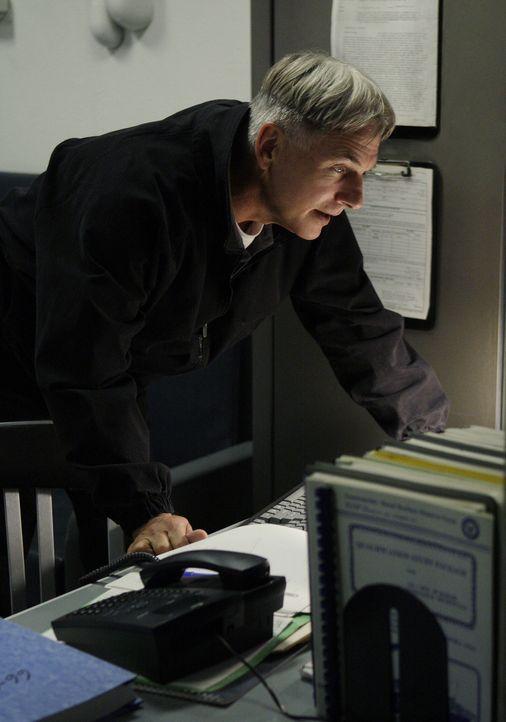 Die Frau von Lieutenant Evans wird ermordet in ihrem Haus aufgefunden. Gibbs (Mark Harmon) und seine Leute versuchen den Mörder zu ermitteln ... - Bildquelle: CBS Television