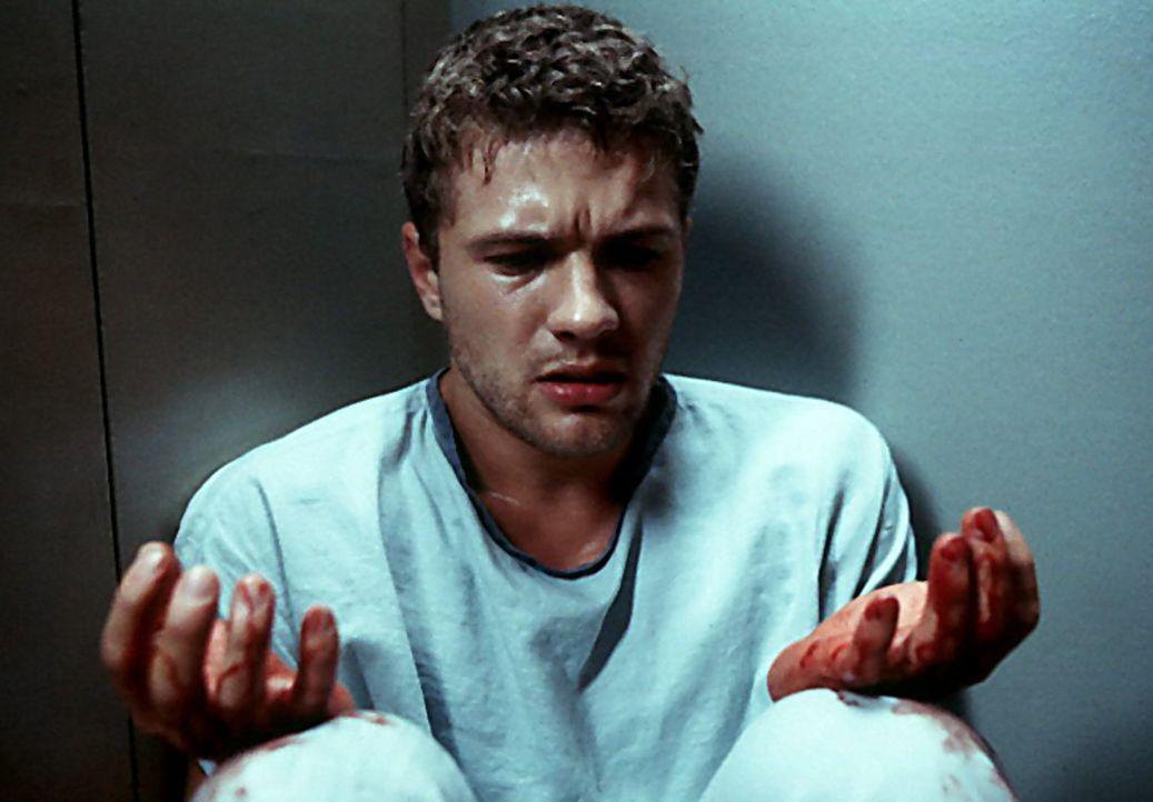 Simon (Ryan Phillippe) ist total verwirrt. Überall ist Blut. Was hat er getan? - Bildquelle: Miramax Films