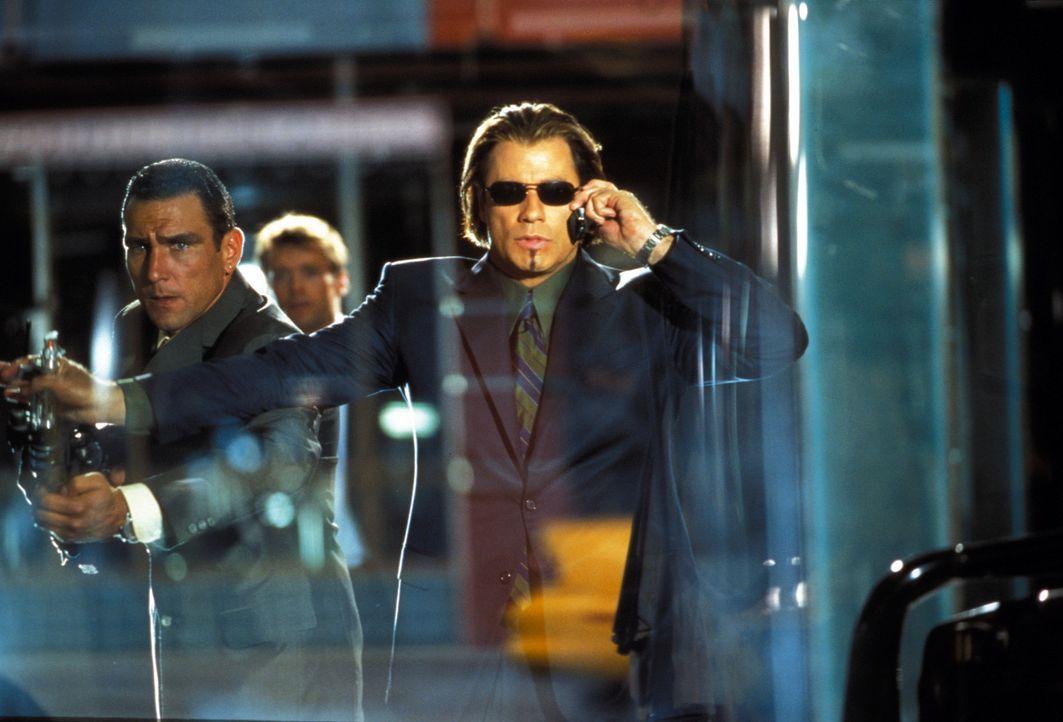 Ist einer von der ganzen harten Sorte: der Gangster Gabriel Shear (John Travolta, vorne) ... - Bildquelle: Warner Brothers International