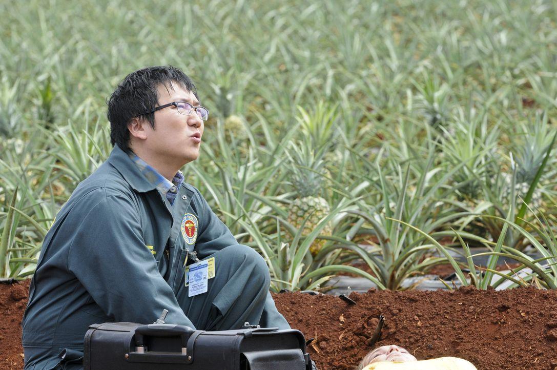 Muss sich mit einem Geist aus seiner Vergangenheit beschäftigen: Max (Masi Oka) ... - Bildquelle: TM &   CBS Studios Inc. All Rights Reserved.