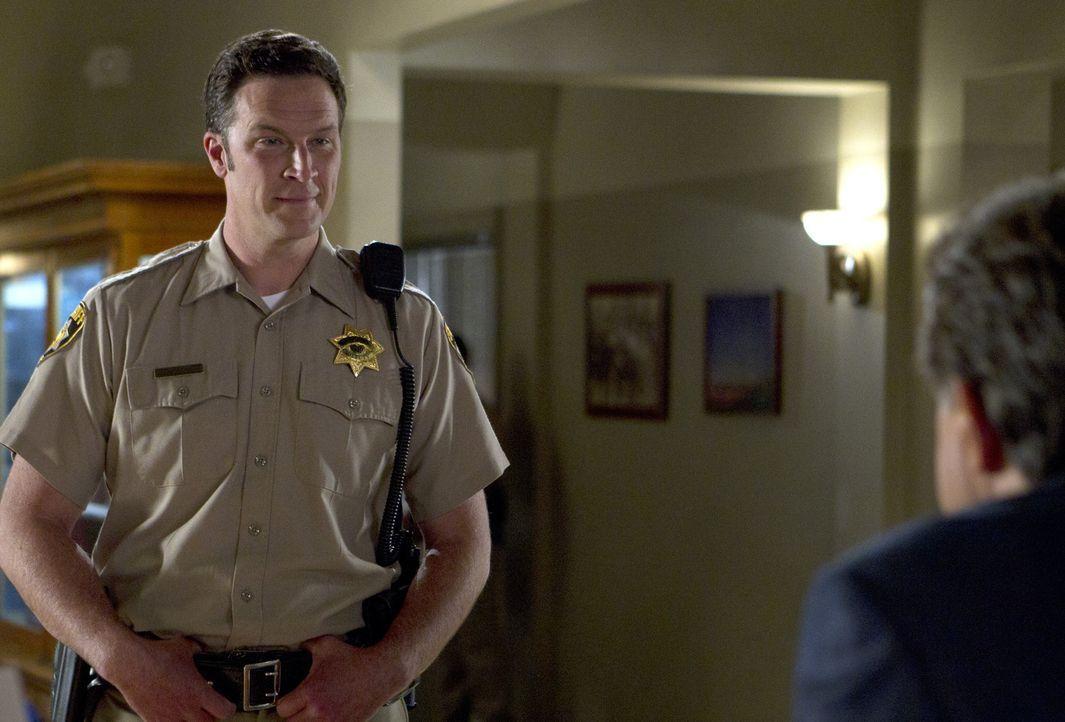 Hat Deputy Marty Bennett (Brady Smith) etwas mit dem Fall zu tun, an dem das BAU-Team gerade ermittelt? - Bildquelle: ABC Studios