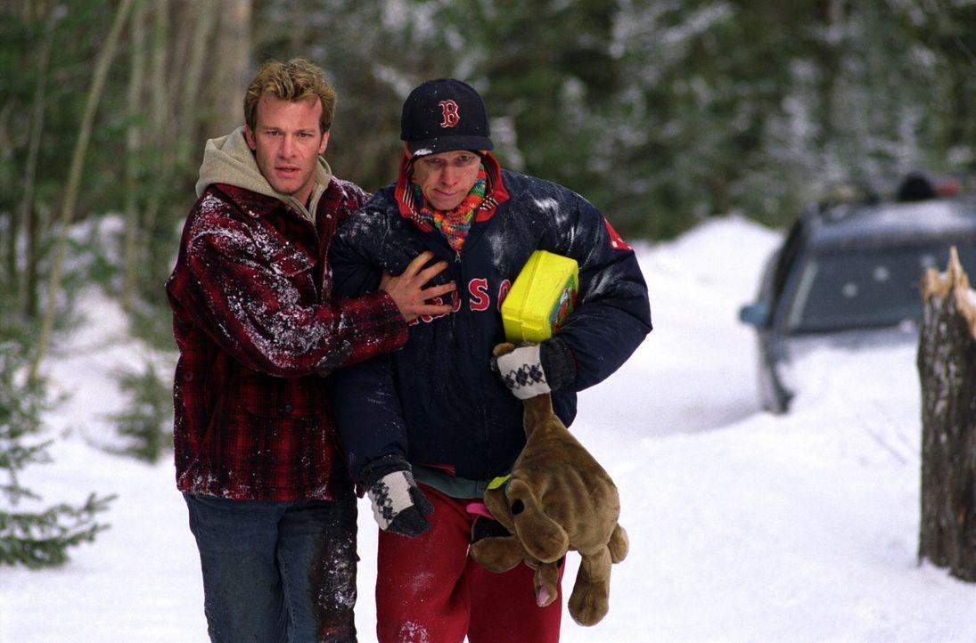 Für Henry (Thomas Jane, l.) und Duddits (Donnie Wahlberg, r.) beginnt ein grauenvoller Albtraum, der sie in die Vergangenheit führt ... - Bildquelle: Warner Bros.