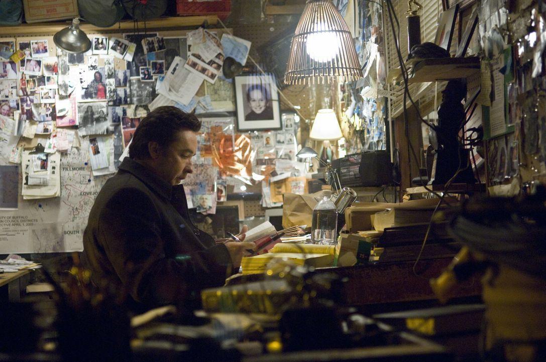 Der von seiner Arbeit besessene Polizist Mike Fletcher (John Cusack) spürt mit seiner Partnerin einem Serienmörder nach, der ihm immer einen Schritt... - Bildquelle: Kinowelt GmbH
