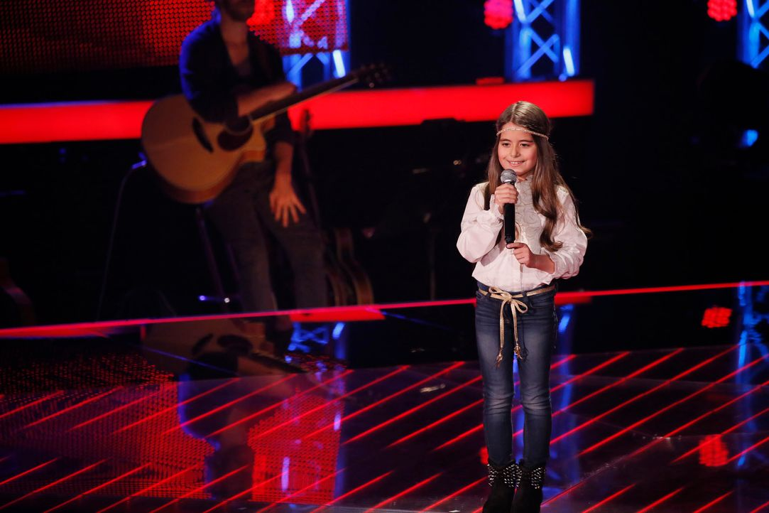 The-Voice-Kids-s04e02-Magdalina-1-SAT1-Richard-Huebner - Bildquelle: © SAT.1/ Richard Hübner