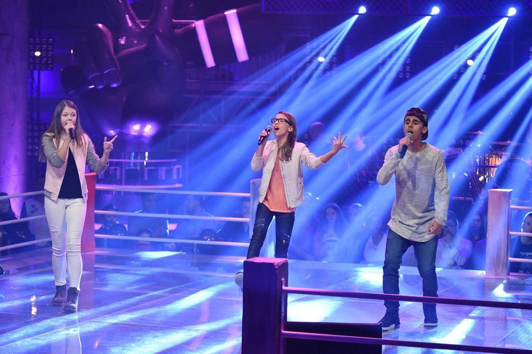 The-Voice-Kids-Stf04-Epi06-Battles-Gabriele-Jessy-Yassine-SAT1-André-Kowalski - Bildquelle: SAT.1/André Kowalski