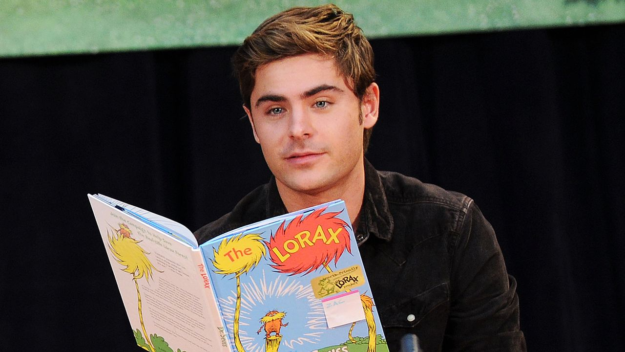 zac-efron-lesen-12-03-02-getty-AFP - Bildquelle: getty-AFP