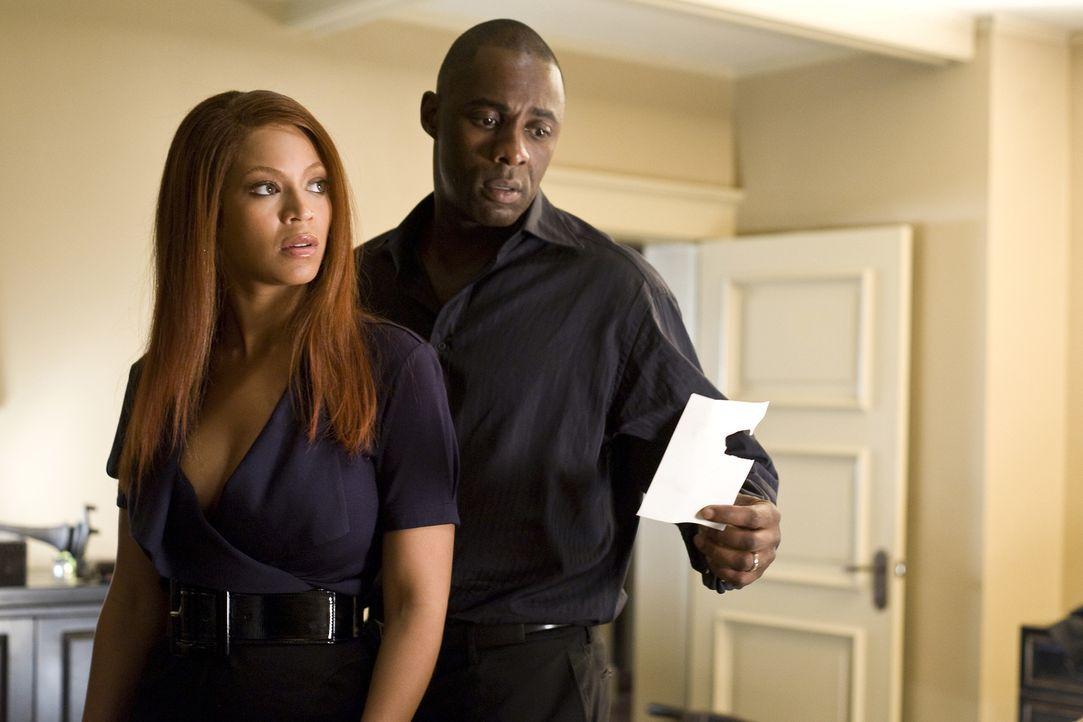 Immer dreister und tiefer dringt Lisa in die heile Welt von Sharon (Beyoncé Knowles) und Derek (Idris Elba, l.) ein und entfaltet dabei langsam das... - Bildquelle: 2009 Screen Gems, Inc. All Rights Reserved.