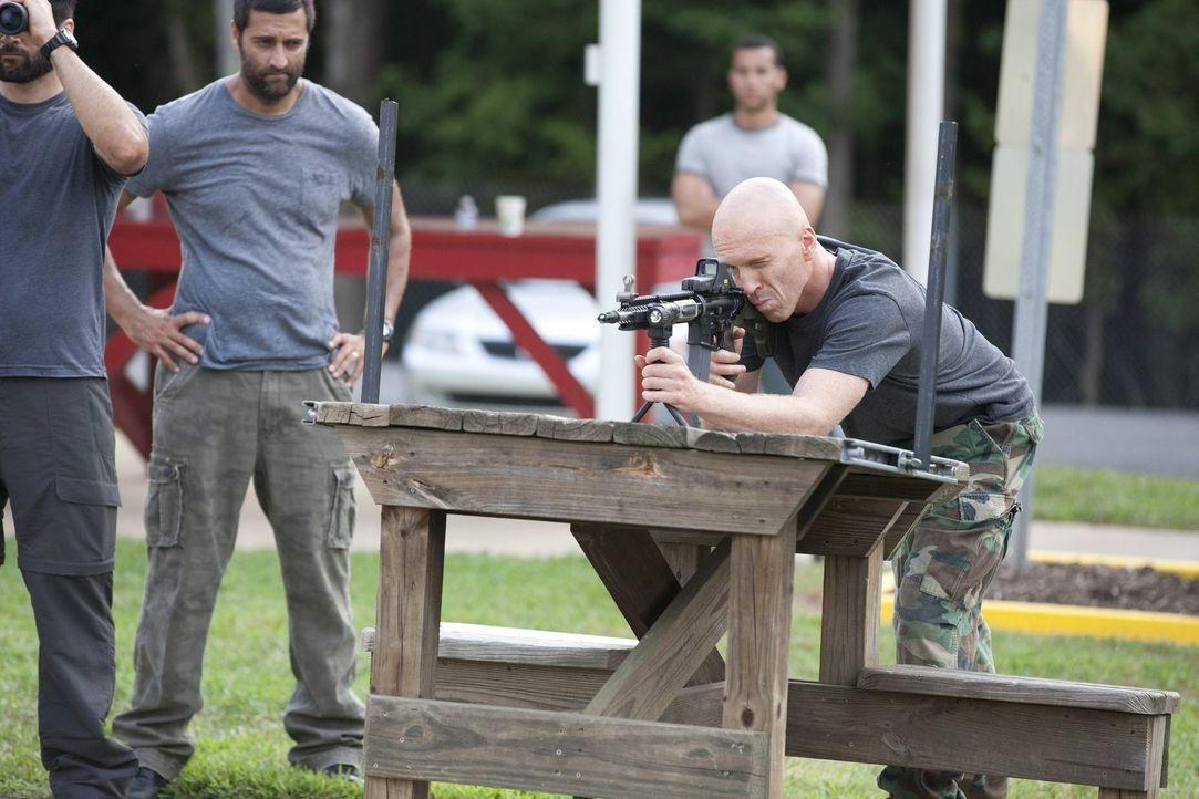 Mit einem geheimen Team wird er fit gemacht für einen geheimen Einsatz im Iran: Brody (Damian Lewis, r.) ... - Bildquelle: 2013 Twentieth Century Fox Film Corporation. All rights reserved.