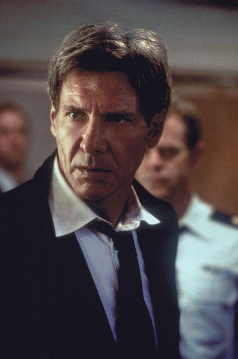 Bei einer Rede in Moskau kündigt der amerikanische Präsident James Marshall (Harrison Ford) an, er werde künftig mit aller Macht gegen internatio... - Bildquelle: Buena Vista International