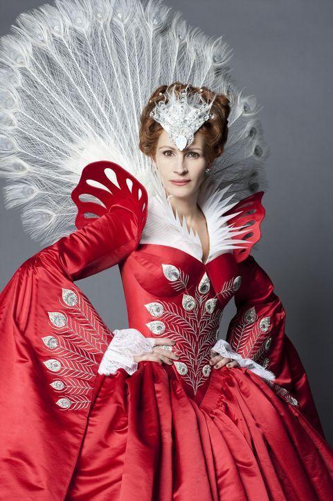 """""""Spiegelein, Spiegelein an der Wand, wer ist die Schönste im ganzen Land?"""" Natürlich die böse Stiefmutter (Julia Roberts) - aber nicht mehr lange ..... - Bildquelle: Jan Thijs @studiocanal"""