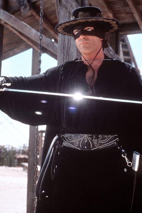 Zorro (Antonio Banderas), der Rächer der Unterdrückten ... - Bildquelle: Columbia Pictures