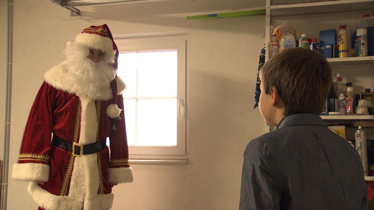 Wer-glaubt-schon-an-den-Weihnachtsmann23 - Bildquelle: SAT.1