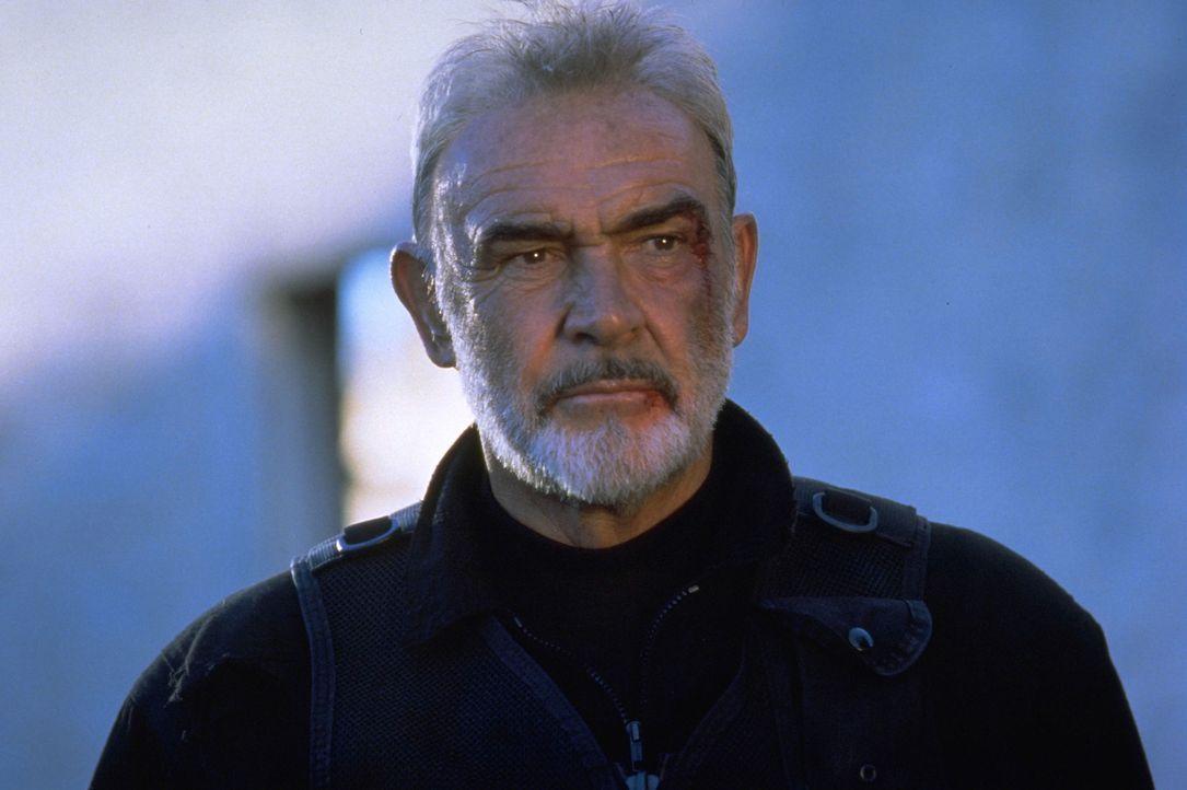 Er hat das Unmögliche geschafft: SAS-Agent John Mason (Sean Connery) gelangt durch das Tunnelsystem von Alcatraz in die Freiheit ... - Bildquelle: Hollywood Pictures