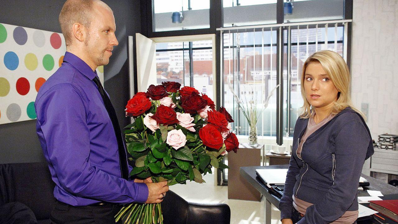 Anna-und-die-Liebe-Folge-27-01-sat1-claudius-pflug - Bildquelle: SAT.1/Claudius Pflug