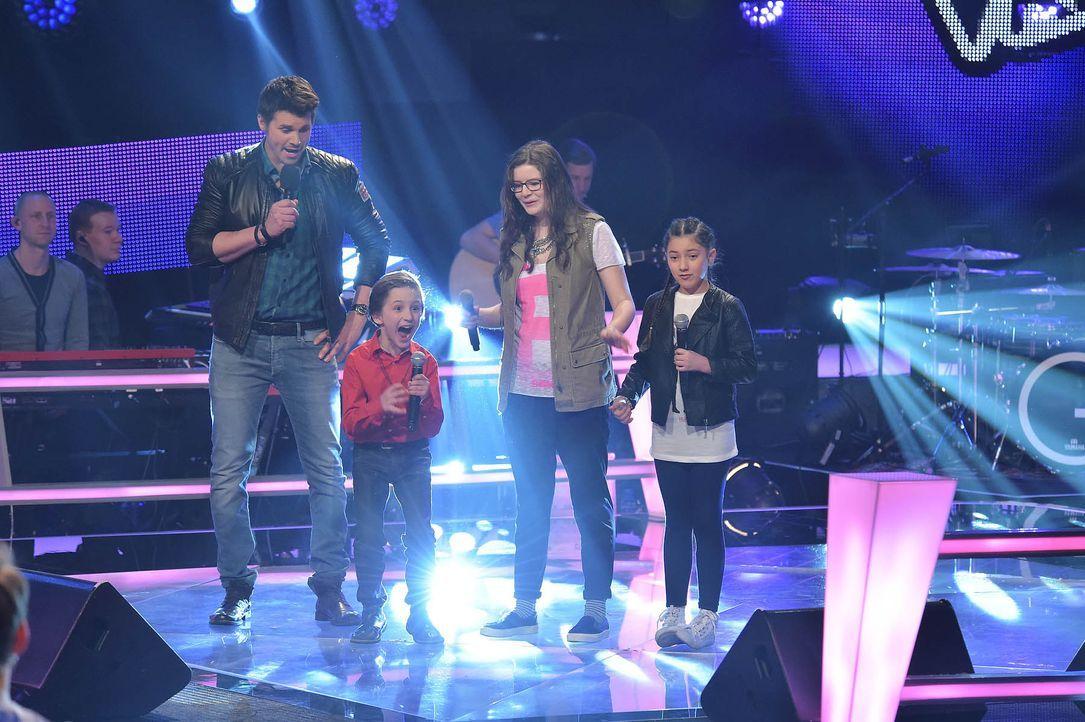 The-Voice-Kids-Stf03-Epi05-Teaser-06-Nestor-Angelina-Jorena-SAT1-Andre-Kowalski - Bildquelle: SAT.1/ Andre Kowalski