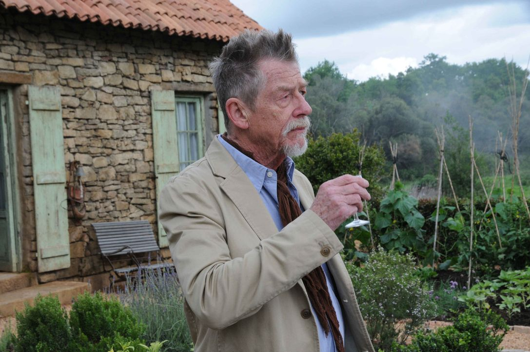 Hat sein Leben dem Schutz des Grals geopfert: Audric Baillard (John Hurt) ... - Bildquelle: SAT.1/2011 Tandem Productions GmbH & Film Afrika Worldwide (Pty) Limited South Africa. All Rights Reserved.