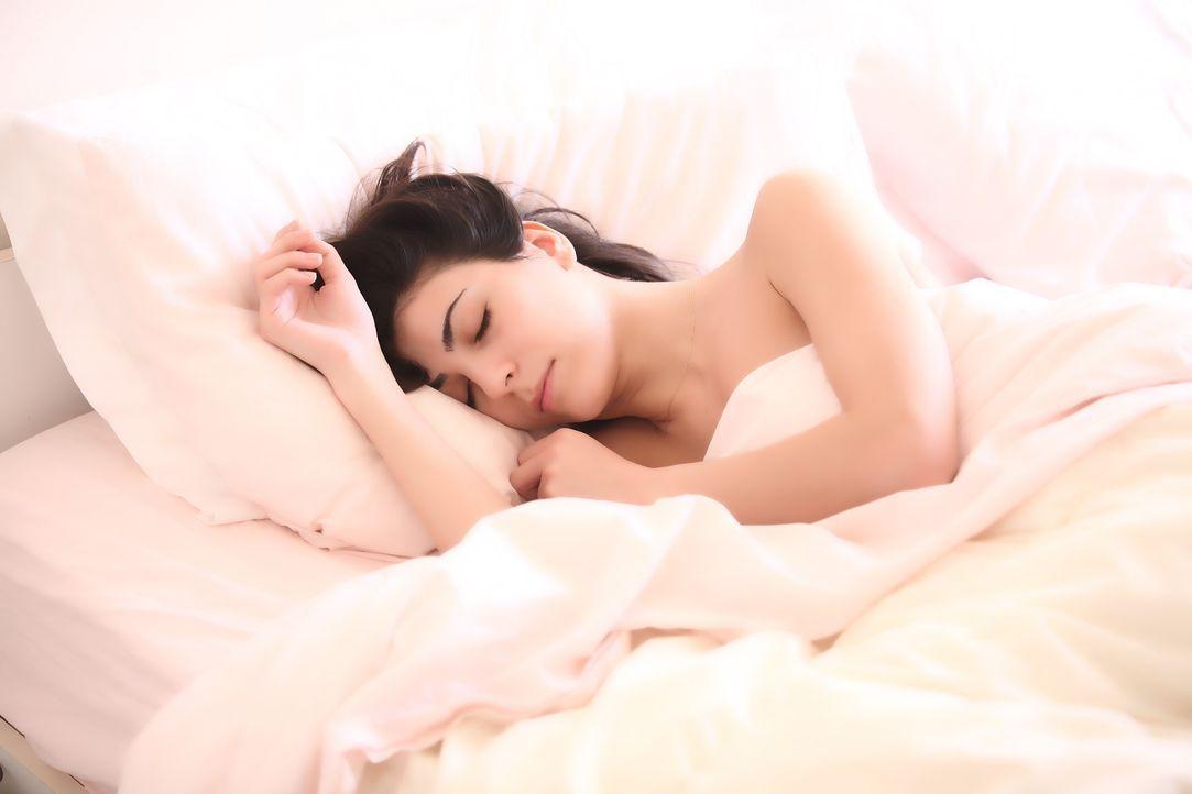 3. Im Bett schläfst du sofort einEigentlich hört sich das doch gut an: Wenn ... - Bildquelle: Pixabay