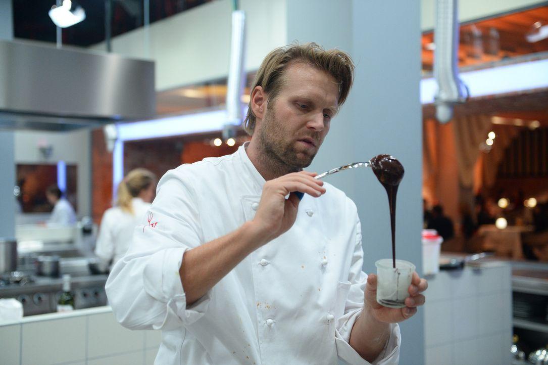 """Stellt sich der Herausforderung """"Hell's Kitchen"""": Olympiasieger Julius Brink ... - Bildquelle: Willi Weber SAT.1"""