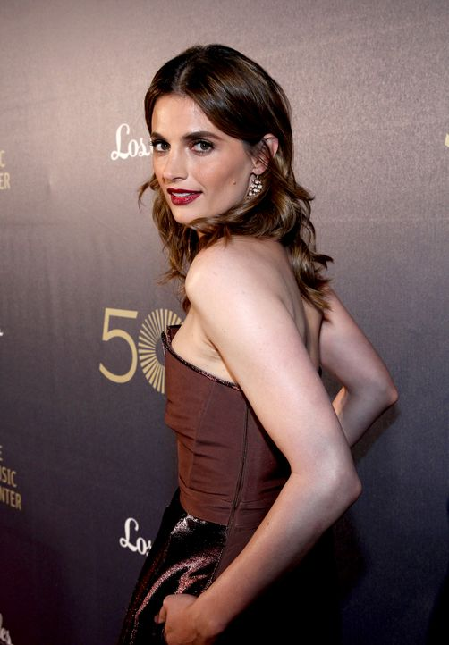 Stana-Katic-141206-1-getty-AFP - Bildquelle: Jonathan Leibson/Getty Images for The Music Center/AFP
