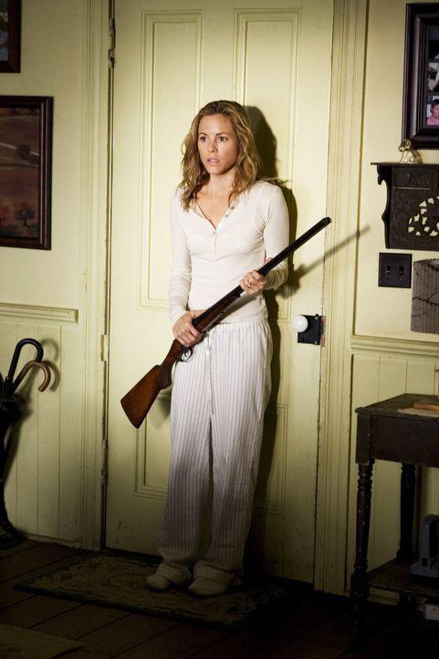 Ihr heile Welt zerbricht unaufhaltsam: Anwältin Edie Stall (Maria Bello) ... - Bildquelle: 2005 Warner Bros.