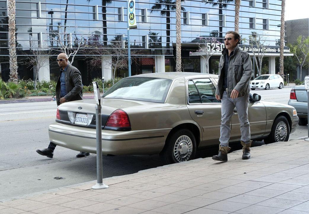 Als Riana verschwindet, kann Murtaugh (Damon Wayans, l.) nichts davon abhalten, seine Tochter zu finden. Riggs (Clayne Crawford, r.) hilft ihm, doch... - Bildquelle: Warner Brothers