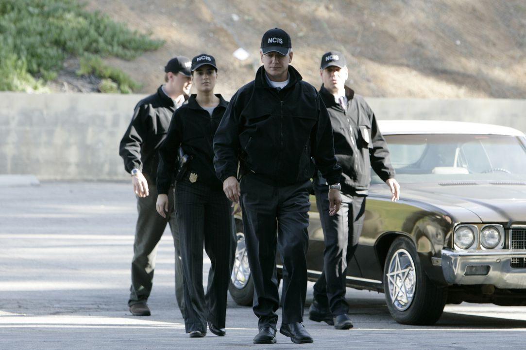 Rebecca Jennings und ihr Ex-Verlobter Kevin Nelson  werden beim NCIS vorstellig, da sie sich Sorgen um Rebeccas Vater machen. Captain Jennings, der... - Bildquelle: CBS Television