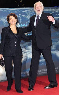 Produzentin Rola Bauer mit Donald Sutherland - Bildquelle: dpa