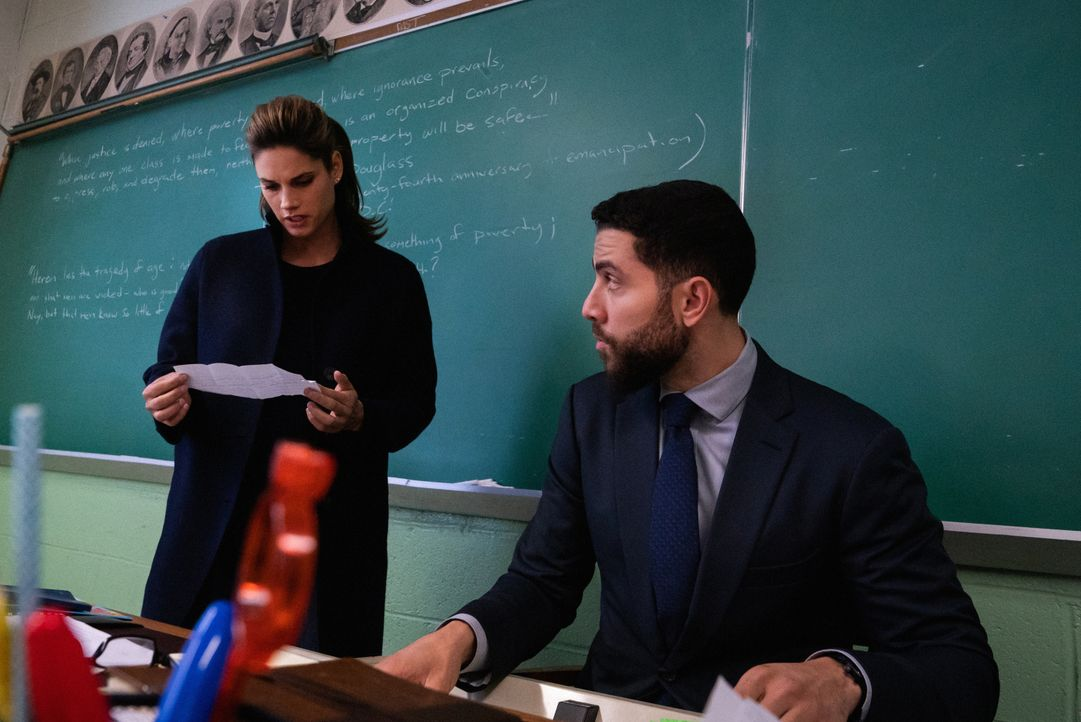 Special Agent Maggie Bell (Missy Peregrym, l.); Special Agent Omar Adom 'OA' Zidan (Zeeko Zaki, r.) - Bildquelle: Michael Parmelee 2019 CBS Broadcasting, Inc. All Rights Reserved / Michael Parmelee