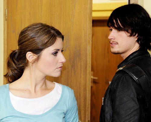 Helena spielt mal wieder ihre Intrigen gegen Bea aus: Sie will Bea die Entscheidung überlassen, ob Ben von der Schule fliegt oder nicht. Wie wird s... - Bildquelle: Christoph Assmann - Sat1