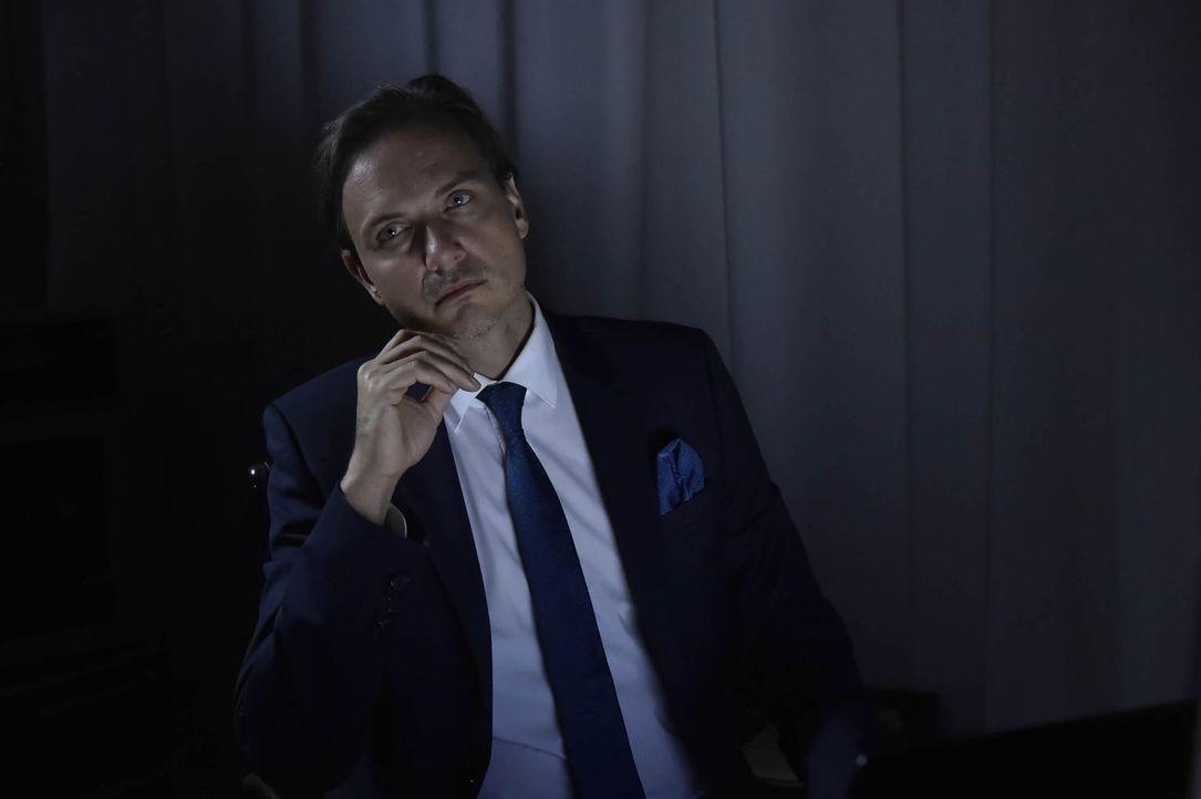 Was ist nur mit Uwe Blond (Tino Lindenberg) los? - Bildquelle: Claudius Pflug sixx