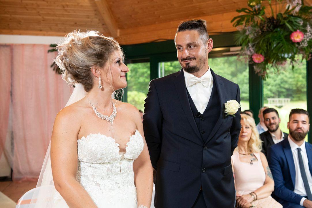 Samantha und Serkan: Die Hochzeit6 - Bildquelle: SAT.1 / Christoph Assmann