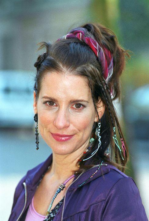 Stefanie Höner als Babette - Bildquelle: Katrin Knoke Sat.1