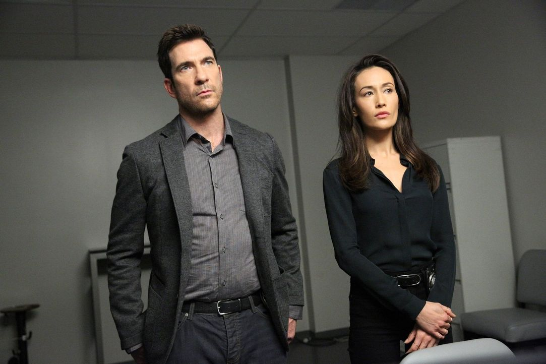 Versuchen, einem gefährlichen Stalkern auf die Schliche zu kommen: Beth (Maggie Q, r.) und Jack (Dylan McDermott, l.) ... - Bildquelle: Warner Bros. Entertainment, Inc.
