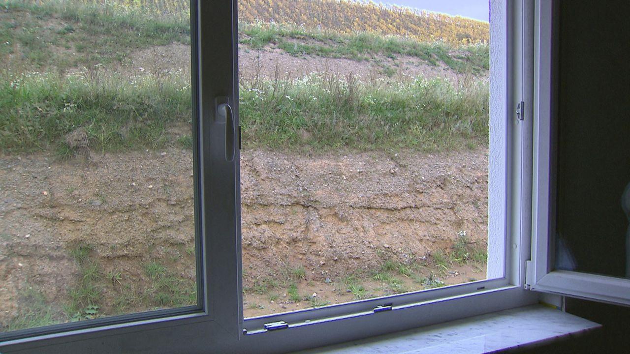 Zimmer ohne Aussicht - Häuslebauer in Not - Bildquelle: SAT.1