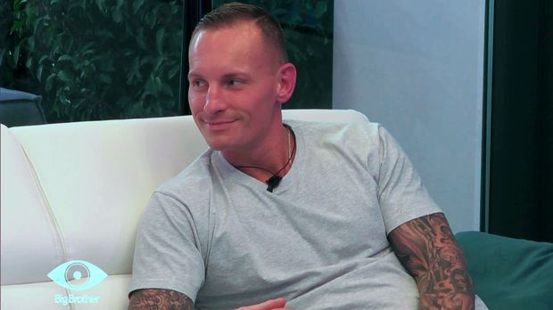 Big Brother - Big Brother - Folge 3: Denny Stellt Seine Tochter über Die Liebe