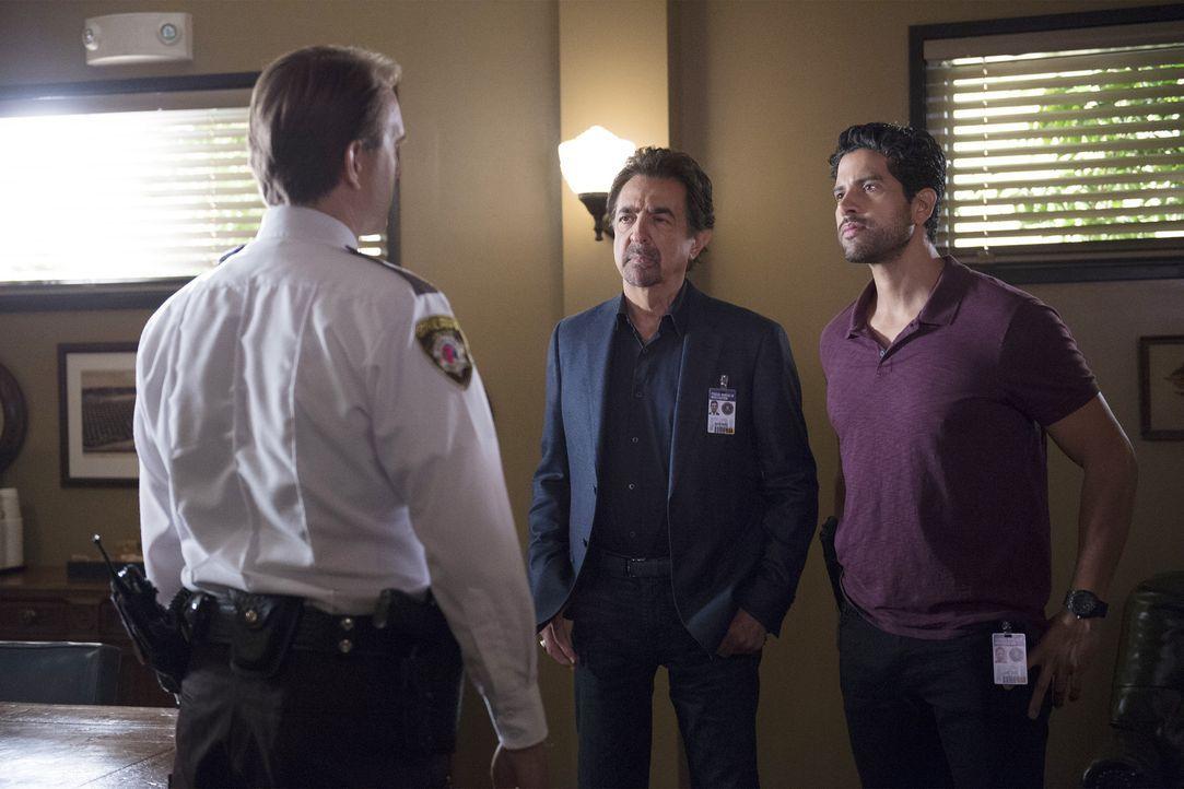 Gemeinsam mit ihrem Kollegen müssen Rossi (Joe Mantegna, M.) und Luke (Adam Rodriguez, r.) einen Serienkiller stoppen. Ein Fall, der es in sich hat... - Bildquelle: Neil Jacobs ABC Studios