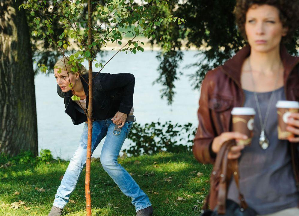 """(2. Staffel) - In """"Knallerfrauen"""" tut Martina Hill (l.) wonach ihr der Sinn steht - hemmungslos und unangepasst ... - Bildquelle: Willi Weber SAT.1"""