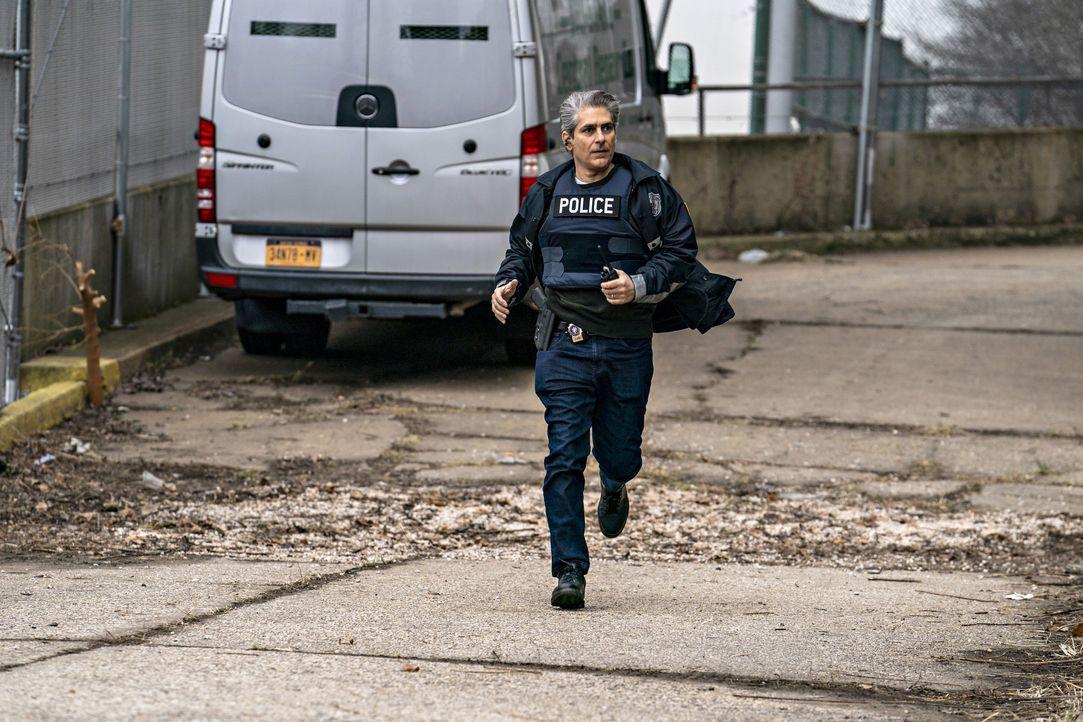 Detective Michael Sellitto (Michael Imperioli) - Bildquelle: Zach Dilgard 2020 NBCUniversal Media, LLC / Zach Dilgard