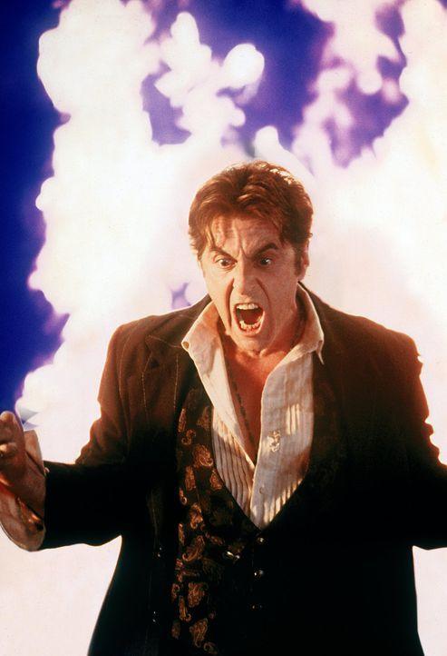 Nach und nach kommt Kevin John Miltons (Al Pacino) wahrer Identität auf die Spur ... - Bildquelle: Warner Bros.