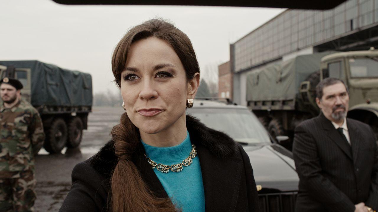 Die attraktive Varvara Romani (Victoria Sordo) lockt Dr. Fred Abel ins Fadenkreuz eines politischen Komplotts ... - Bildquelle: Sonja Rom Sat.1/Sonja Rom