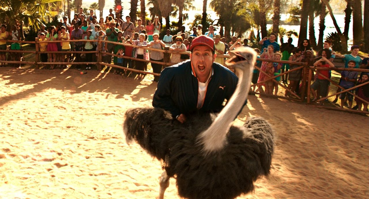 Muss sich nicht nur mit Laurens Kindern, sondern auch mit einem Vogel Strauß anlegen: Jim (Adam Sandler) ... - Bildquelle: Warner Brothers
