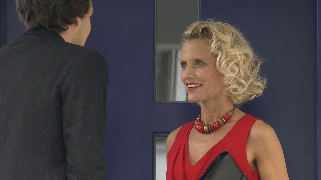 Das-rote-Kleid7 - Bildquelle: SAT.1