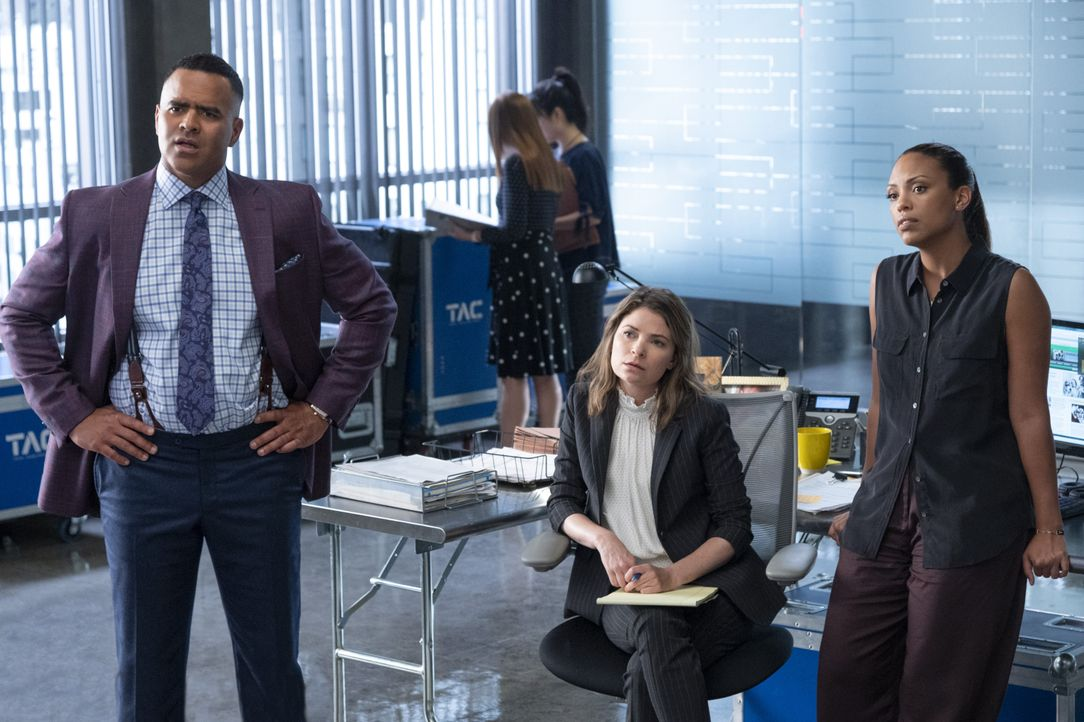 (v.l.n.r.) Chunk Palmer (Christopher Jackson); Taylor Rentzel (MacKenzie Meehan); Danny James (Jaime Lee Kirchner) - Bildquelle: David M. Russell 2019 CBS Broadcasting Inc. All Rights Reserved. / David M. Russell